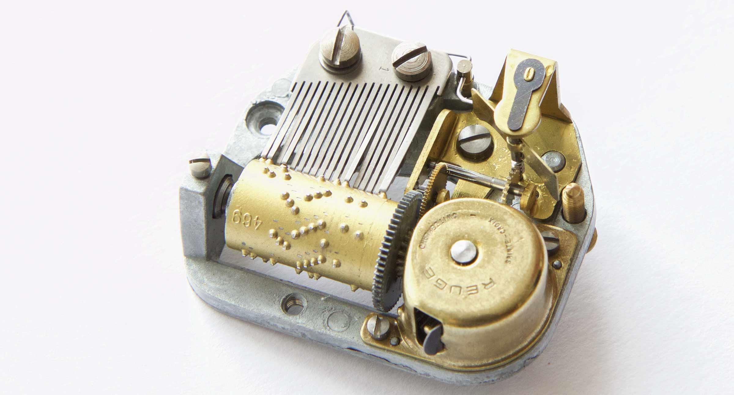 Music box mechanism